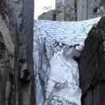 Снежник в ущелье Крест.