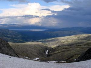 Вид с перевала Северный Рисчорр на восток.
